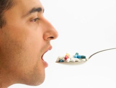 Administrarea corectă a antibioticelor, raportat la mese